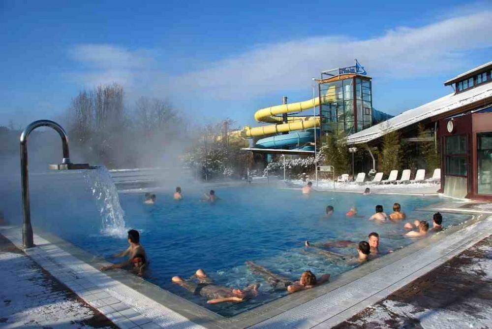 Freizeitbad atlantis niemcy for Schwimmbad herzogenaurach